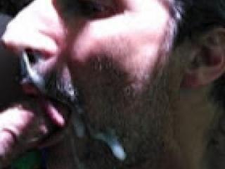 Albertville gay j'aime suce des bites et les éjacs faciales