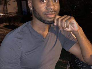 Beau mec black disponible pour des plan Sans tabous sympa